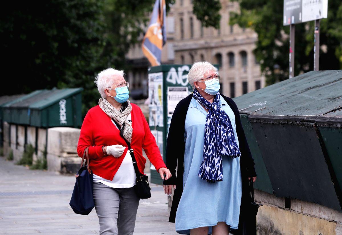 Spanish govt rules out mandatory face mask use