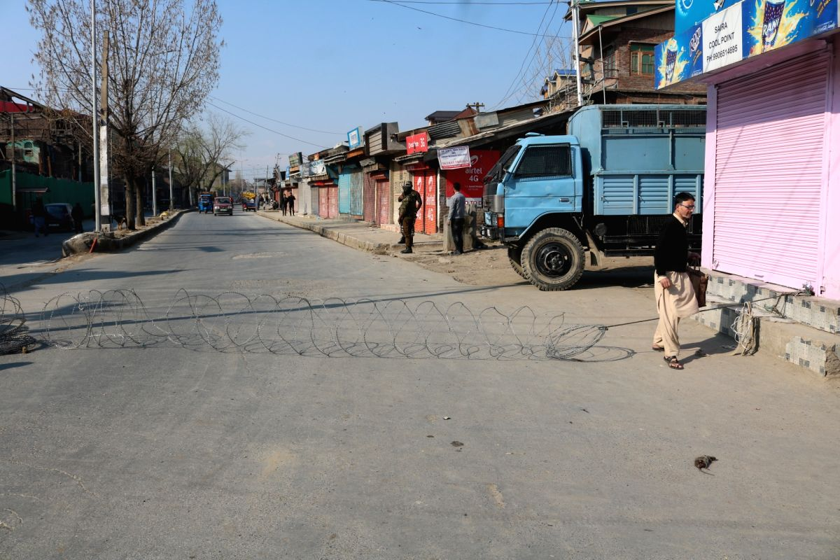 Srinagar: Heavy restrictions imposed in Srinagar amid COVID-19 outbreak, on March 19, 2020.