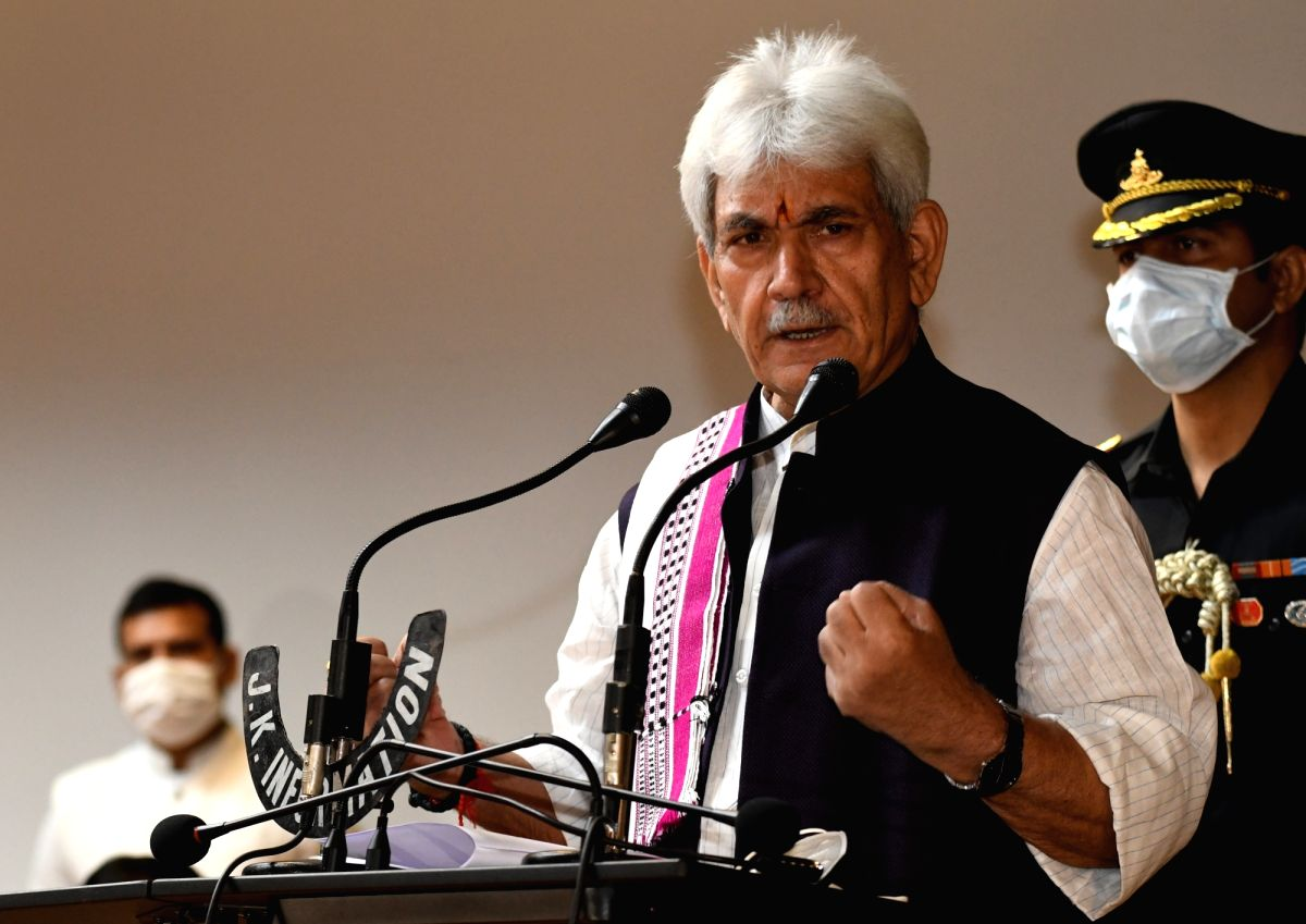 Srinagar: Jammu and Kashmir Lieutenant Governor Manoj Sinha addresses a press conference at Raj Bhavan in Srinagar on Sep 19, 2020. Sinha on Saturday approved a record Rs 1,350 crore package to spur growth in businesses and jobs in Jammu and Kashmir