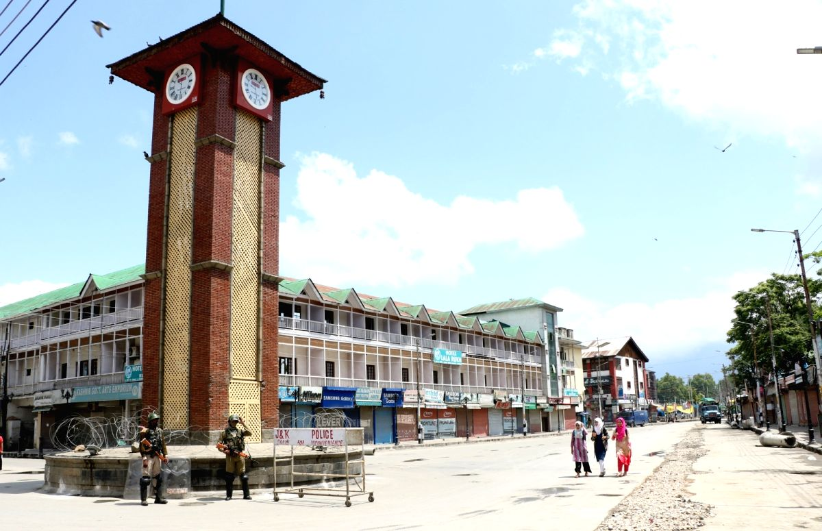 Srinagar: Security beefed up ahead of Prime Minister Narendra Modi's visit to Jammu and Kashmir, in Srinagar on May 19, 2018. As separatists called for protest march to Srinagar's city centre Lal Chowk against Modi's visit, the authorities suspended