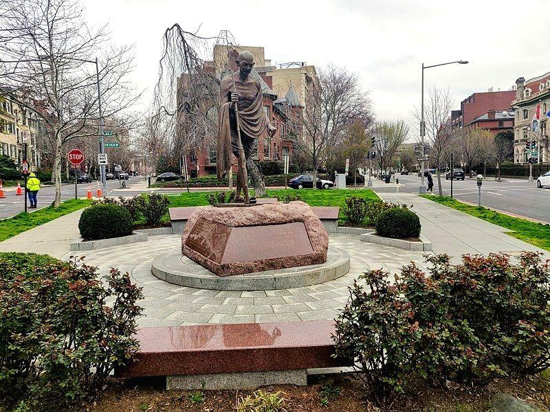 Statue of Mahatma Gandhi before it was vandalised in Washington. (Photo: Kurt Kaiser/Wikimedia)