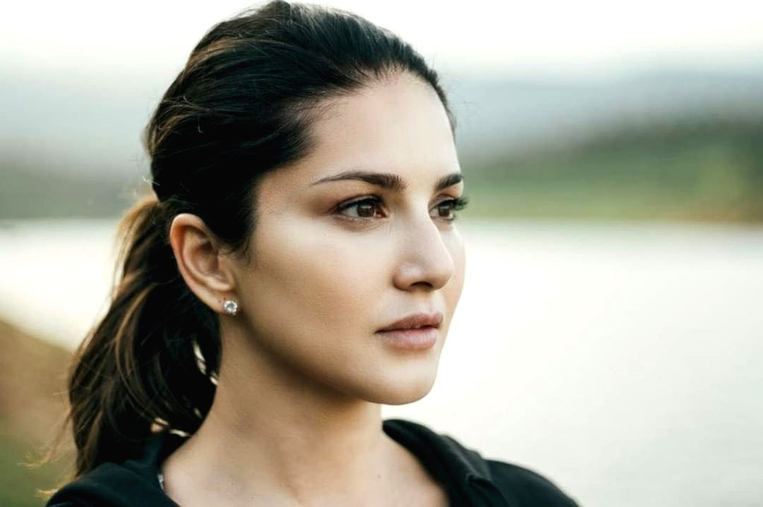 Sunny Leone is in the mood to reflect on change.(photo:instagram)