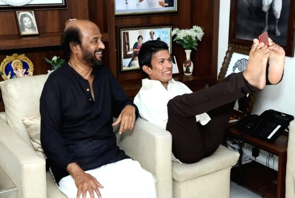 Superstar Rajinikanth recently met Kerala based differently-abled artist Pranav in Chennai.