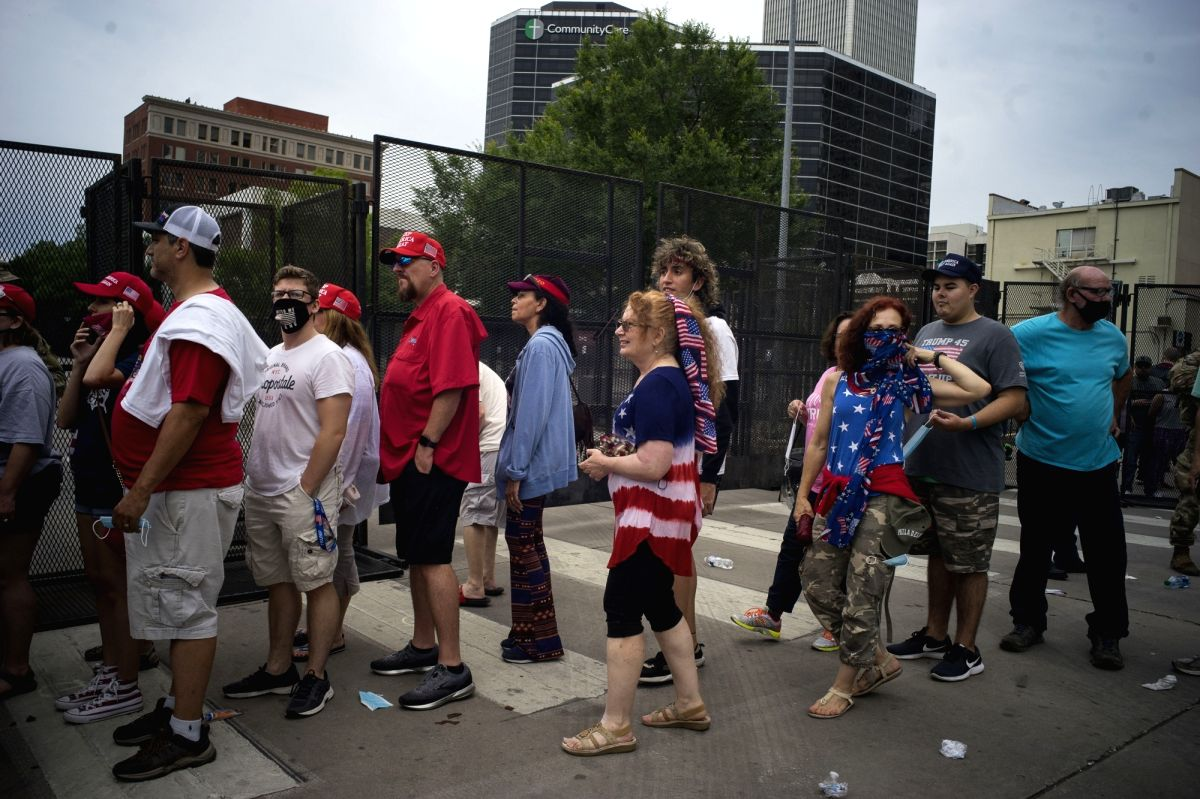 Supporters wait to attend a campaign rally for Donald Trump in Tulsa of Oklahoma, the United States. (Photo: IANS/Xinhua)