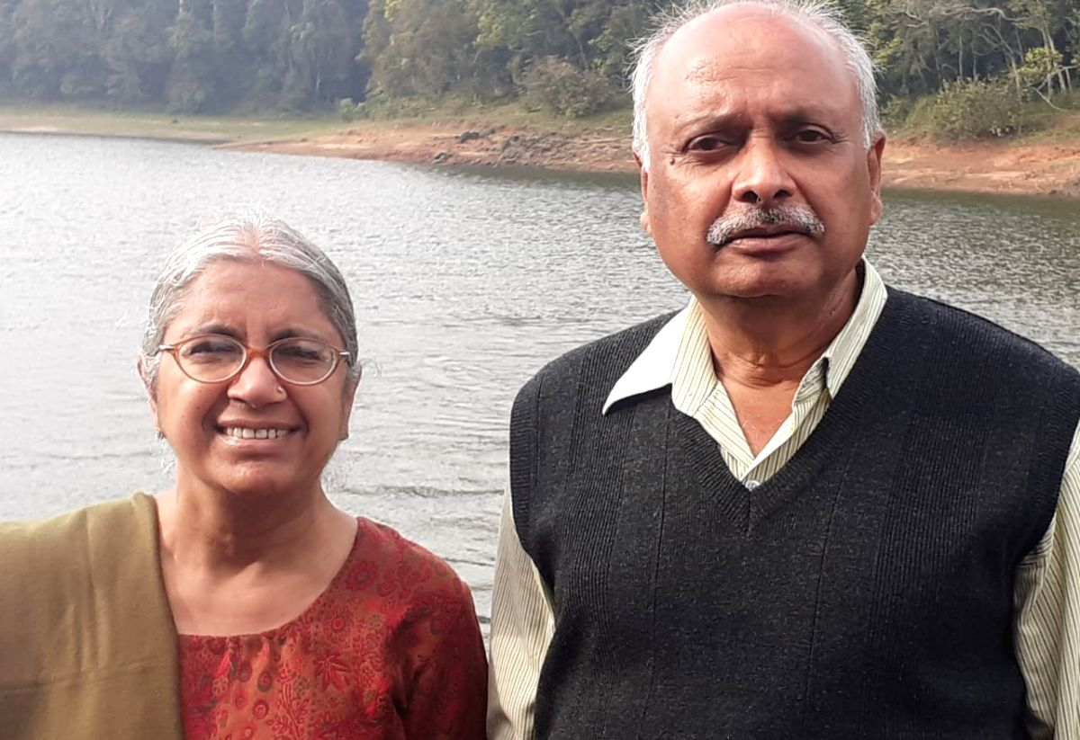 Surendra Mohan (R), who has retired from the post of Director in the Ministry of Defense, has donated his life saving to PM Care.