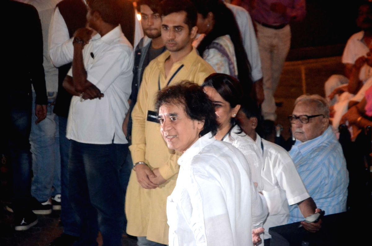 Shashi Kapoor's condolence meet - Shashi Kapoor