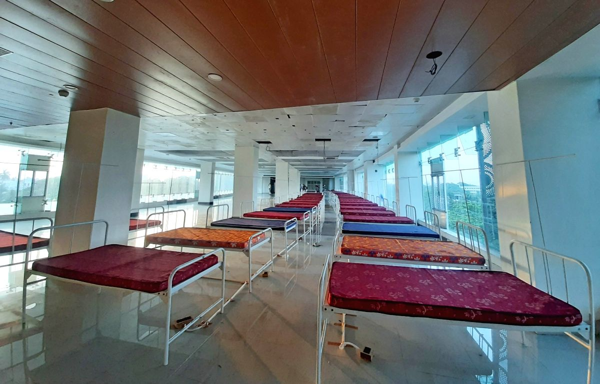 The beds are arranged at a Safe House for Covid patients with mild symptoms  due to increasing numbers of COVID 19 patients in Kolkata on April 21, 2021.  (Photo:Kuntal Chakrabarty/IANS)