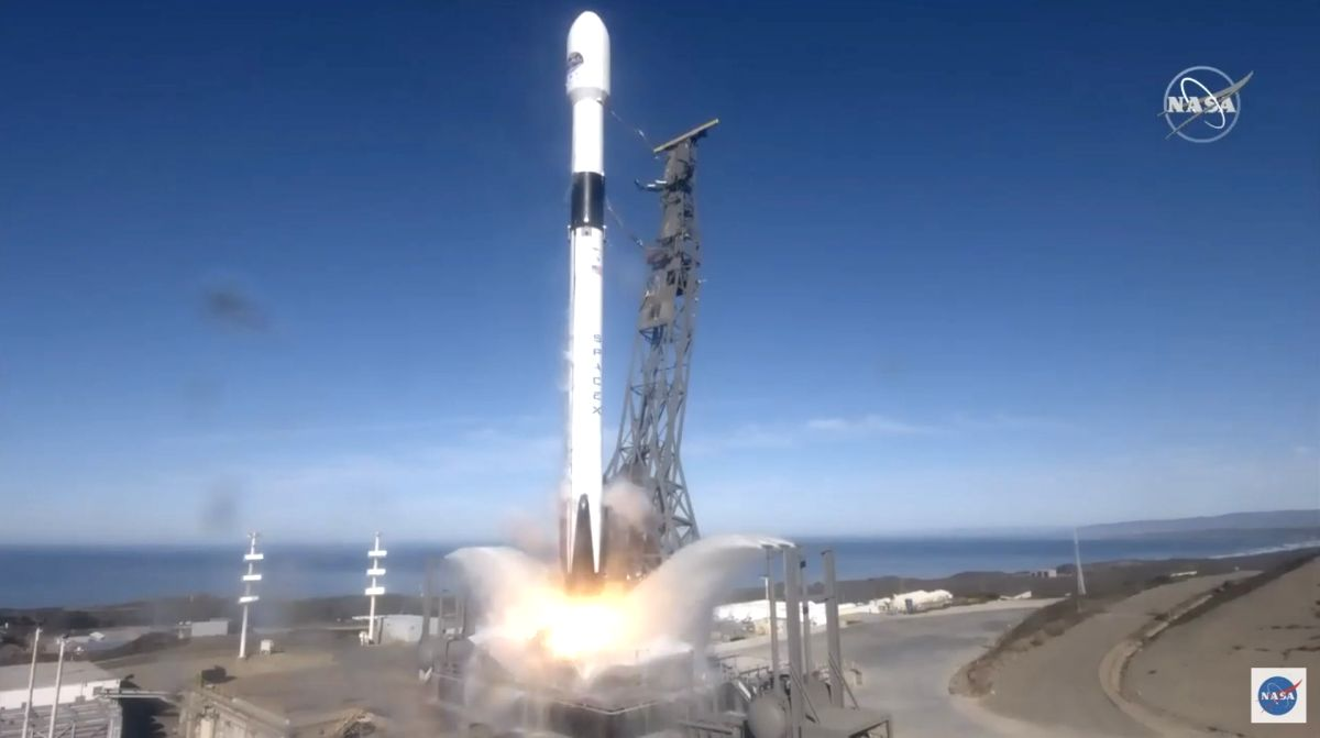 The Sentinel-6 Michael Freilich ocean observation satellite lifted off on a SpaceX Falcon 9 rocket from Space Launch Complex 4E at Vandenberg Air Force Base in California. (Photo: NASA TV)