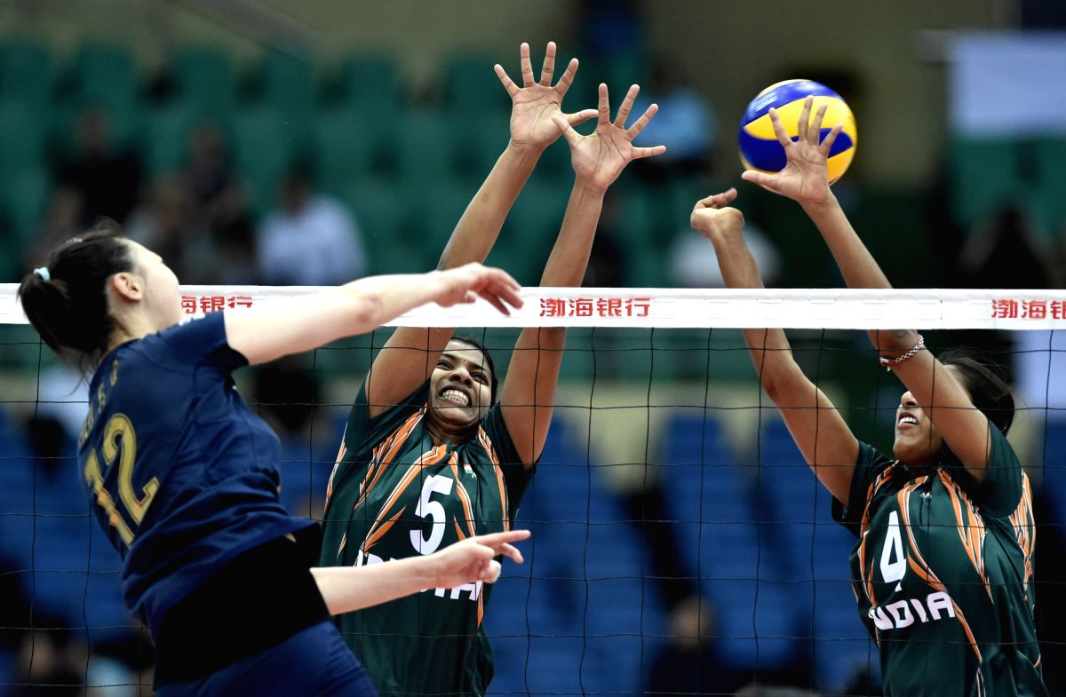 TIANJIN, May 21, 2015 (Xinhua) -- Poornima Muraleedharan (C) and Ghosh Anusri (R) of India compete during the group A match against China at the 2015 Asian Women's Volleyball Championship in Tianjin, north China, May 21, 2015. India lost 0-3. (Xinhua