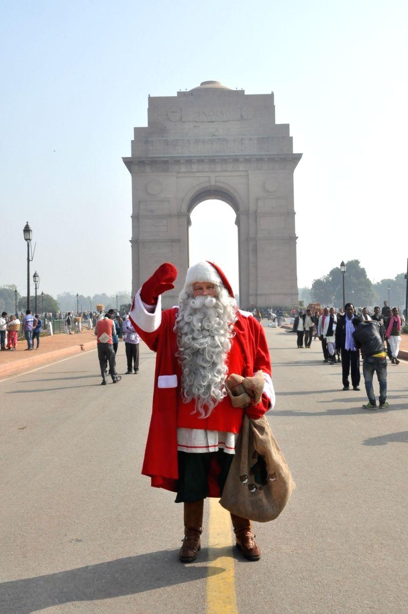 Santa at The India Gate !!