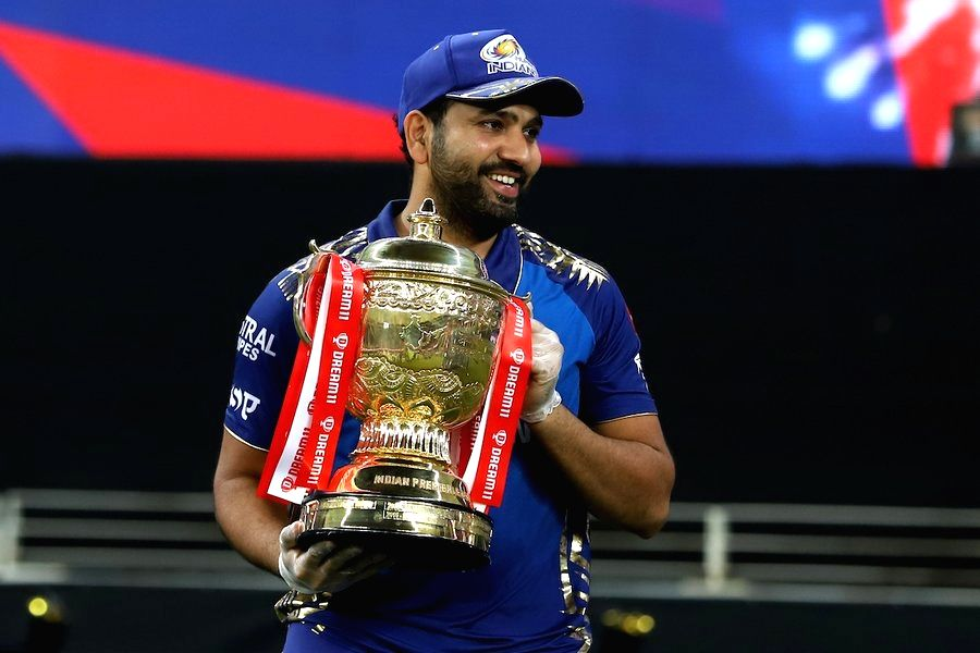 Top points table, win trophy: 4 such instances in IPL