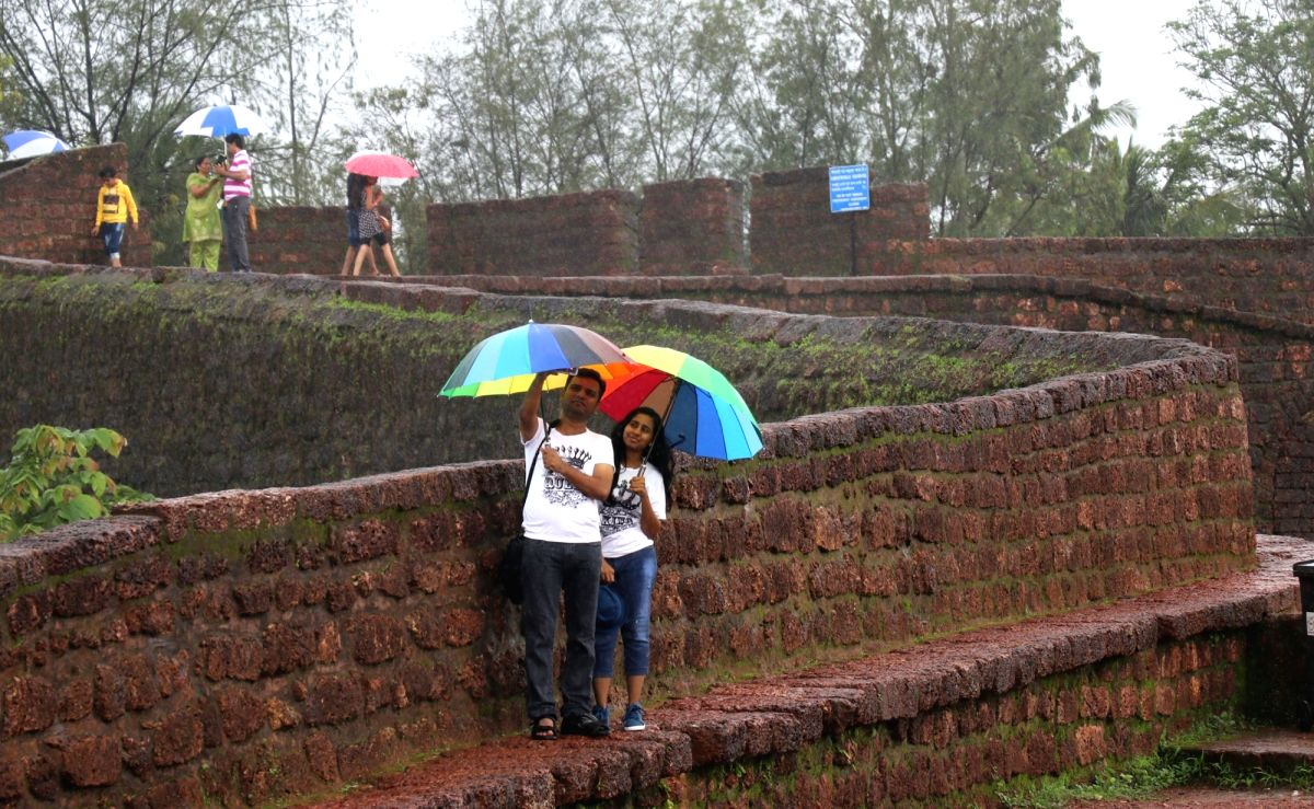 Tourists at Fort Aguada