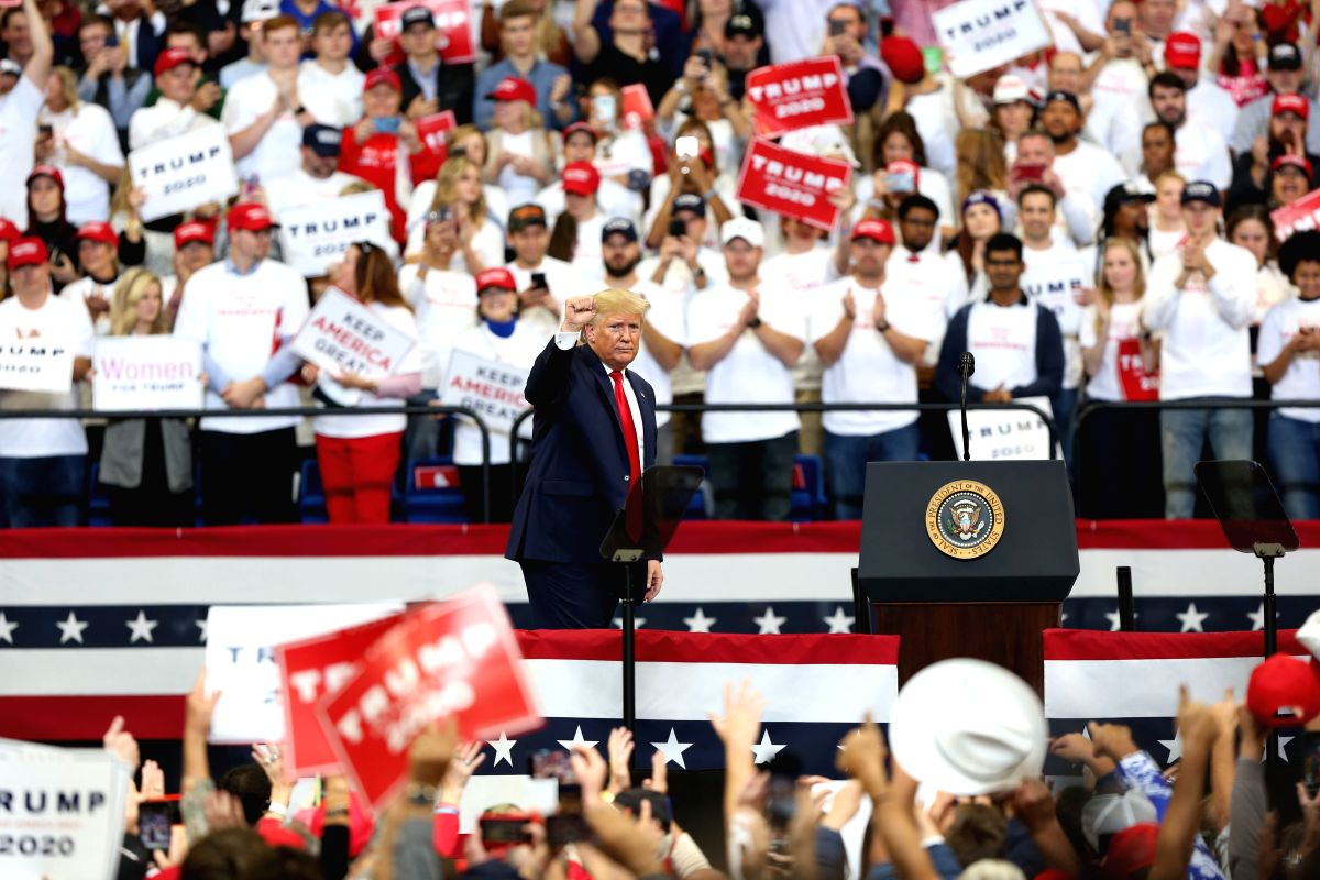 Trump holds Tulsa rally despite coronavirus fears