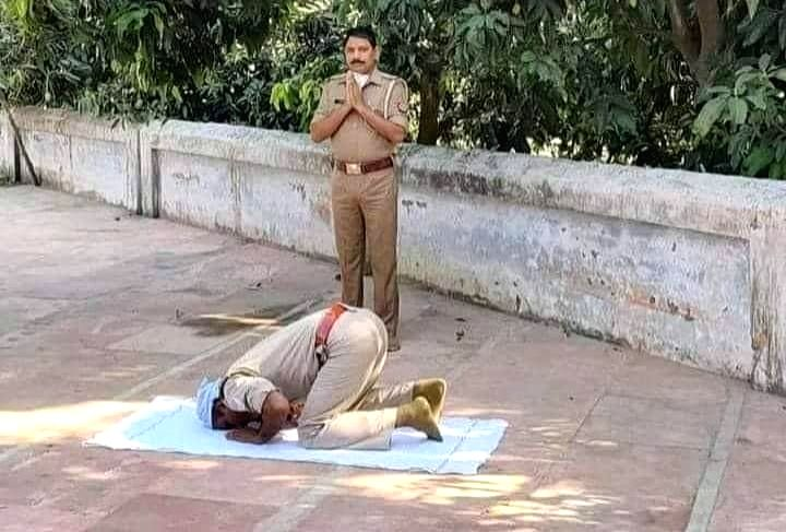 UP: Cops join in prayers, display communal harmony.