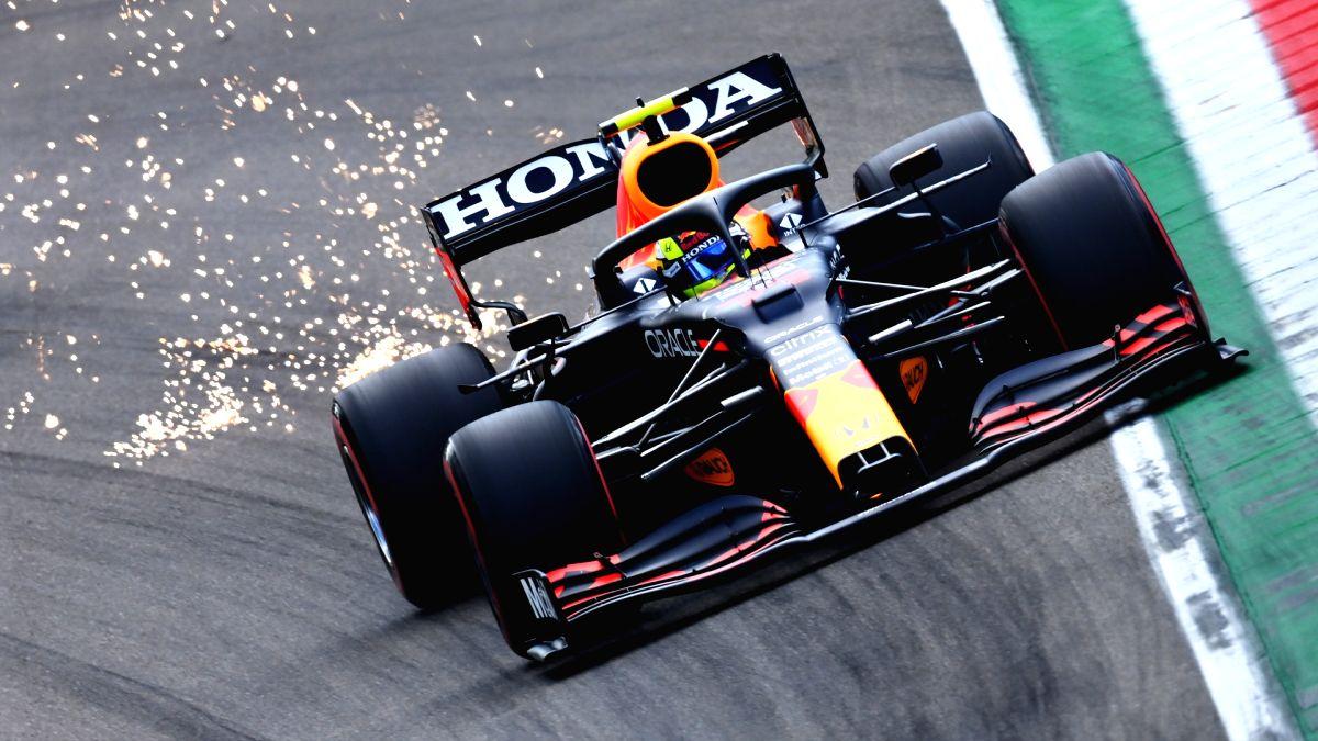 Verstappen tops last practice session in Imola, Hamilton third