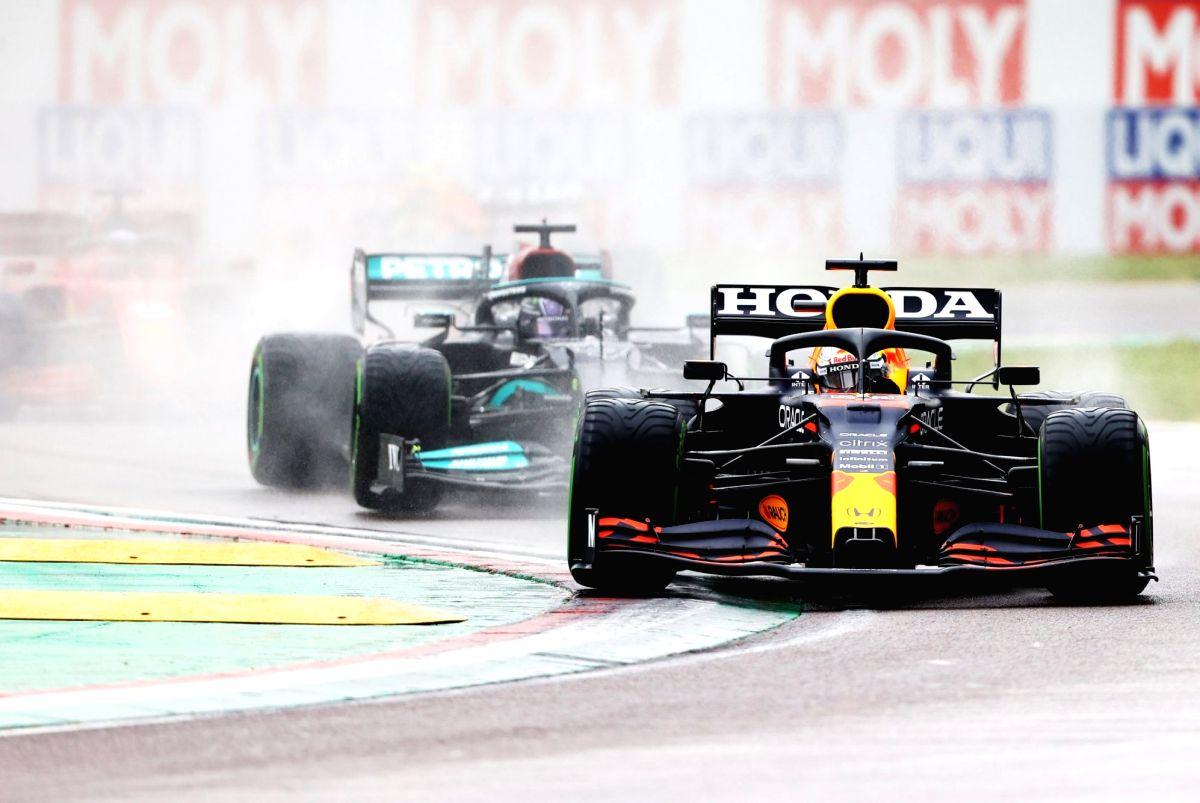 Verstappen wins turbulent Emilia Romagna GP (Credit: Formula 1)
