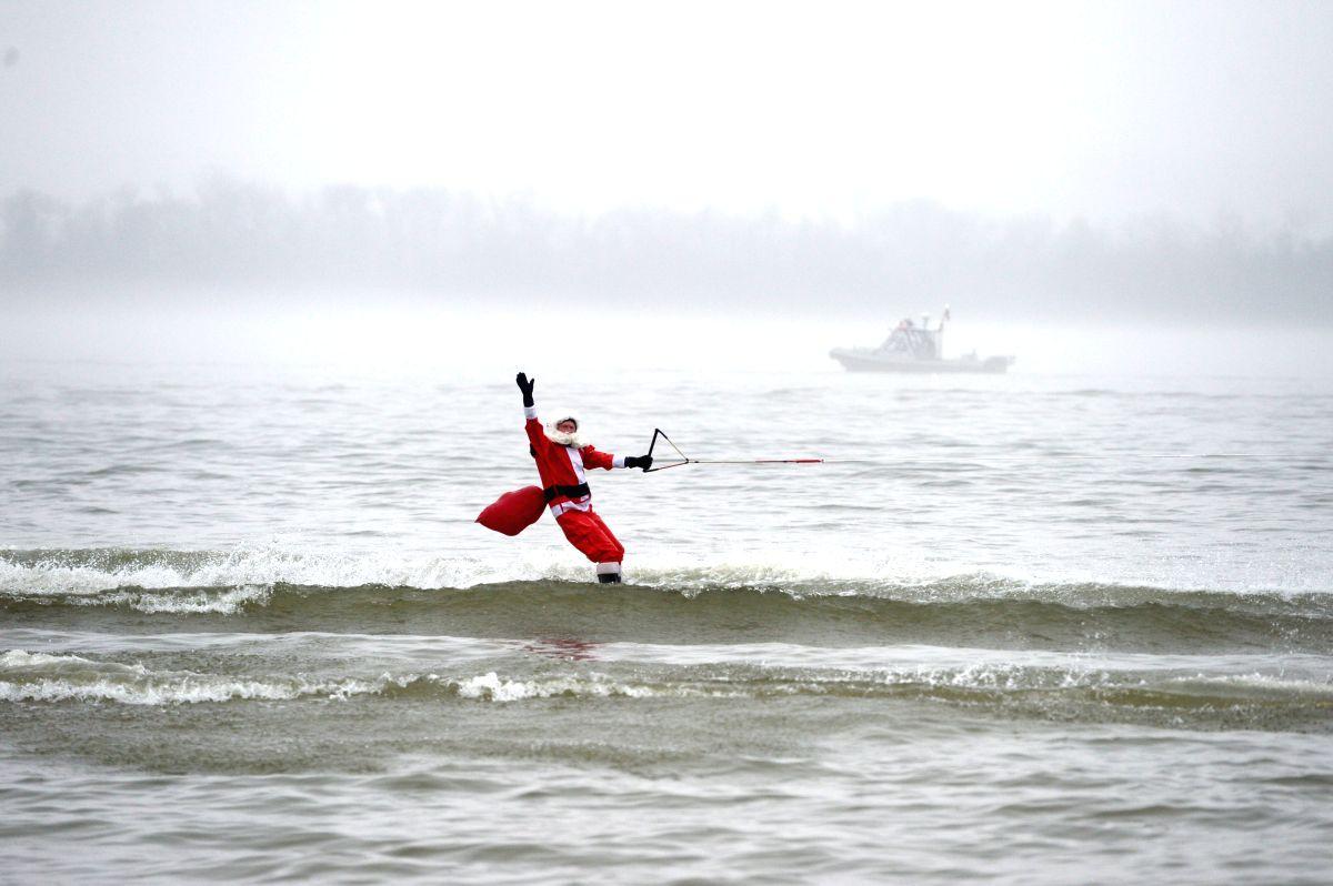 Surf's Up Santa !!