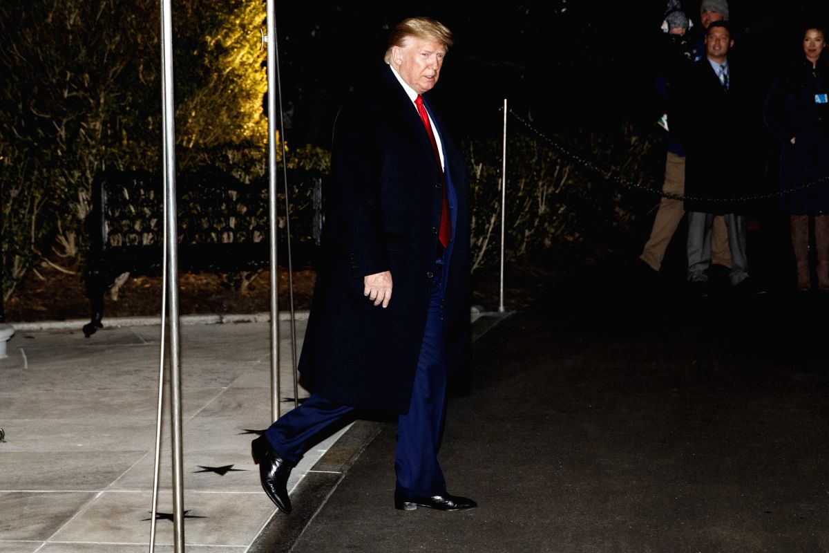 WASHINGTON D.C., Jan. 21, 2020 (Xinhua) -- U.S. President Donald Trump departs from the White House in Washington D.C., the United States, Jan. 20, 2020. Trump on Monday left for Davos, Switzerland to attend the World Economic Forum (WEF). (Photo by