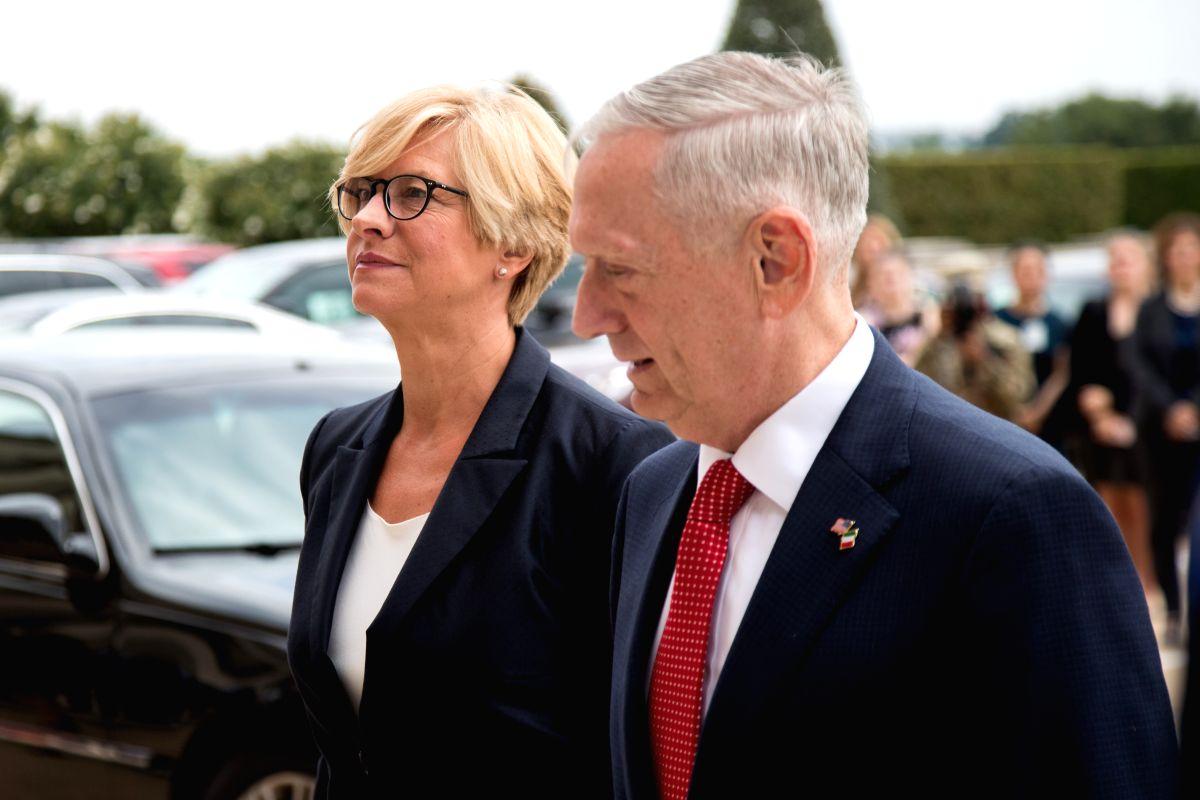 U.S.-WASHINGTON D.C.-ITALY-DEFENSE MINISTER-VISIT - Roberta Pinotti