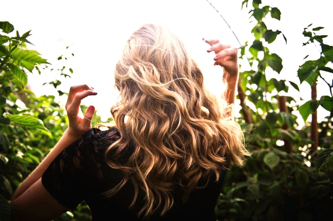 Winters always reminiscent of dry skin and scalp. It is essential to keep hair and scalp clean and moisturised. During this season extra care is needed to avoid frizz and hair breakage.