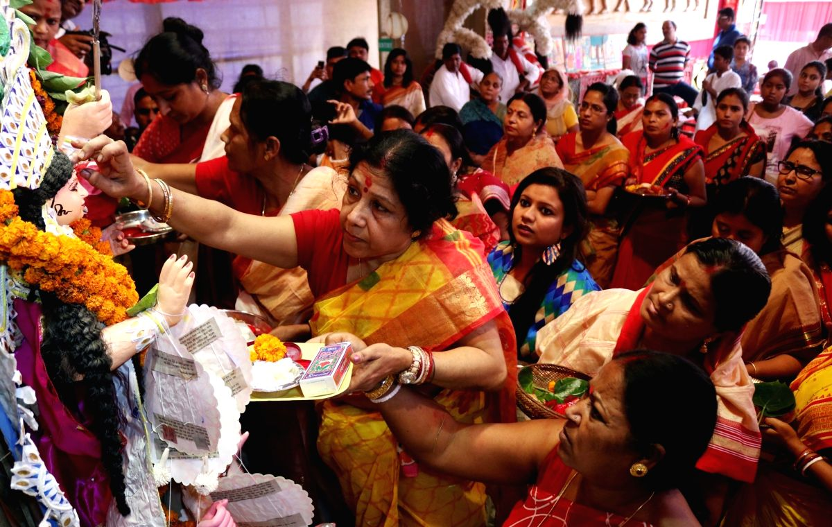 On this auspicious day, women apply sindoor n the almighty goddess Durga