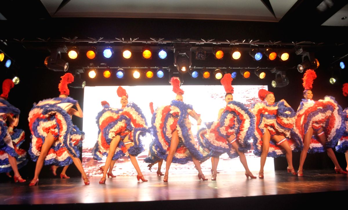 French Moulin Rouge Performanc