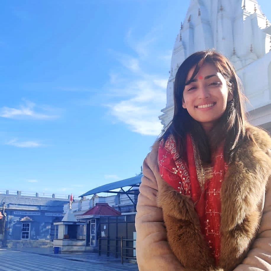 Yami Gautam seeks divine blessings on her birthday