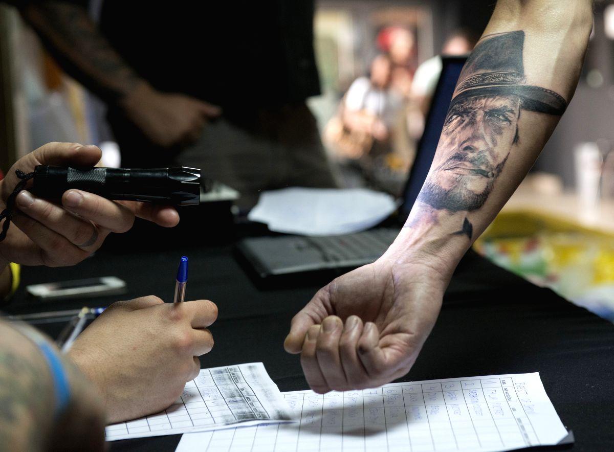 Lifelike tattoo - definitely praiseworthy