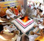 Ahmedabad: `yagna` to ward off Swine Flu from Gujarat