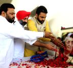 Amritsar: Congressmen pay tribute to Indira Gandhi
