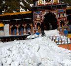 Badrinath: Heavy snowfall