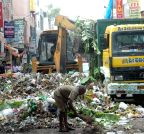 Bangalore: BBMP clears garbage lying on Avenue Road