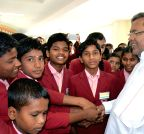 Belagavi: Karnataka CM interacts with the students visiting Suvarna Soudha