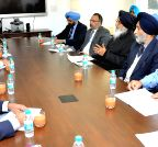 Chandigarh: Punjab CM meets FCI chairman