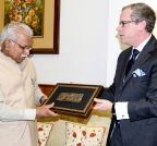 Chandigarh: Canadian Province Premier  calls on Haryana CM
