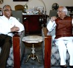 Kolkata: M K Narayanan meets Keshari Nath Tripathi