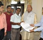 Akhil Gogoi submitting a memorandum to the Assam Governor