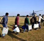 Gumla: IAF helicopters ferry polling personnel to Maoist infested zones