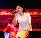 Guwahati: Kanika Kapoor performs during a programme