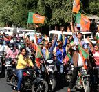 Jaipur: BJP workers during an election campaign rally