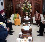 Jakarta (Indonesia): Sushma Swaraj meets Megawati Soekarnoputri