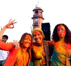 Jodhpur: Foreign tourists celebrate Holi