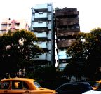 Kolkata: Building damaged in earthquake