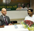 Kolkata: British Deputy High Commissioner meets Rahul Sinha