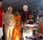 Kolkata: K N Tripathi pays tribute to Swami Vevekananda