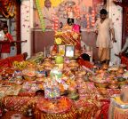 Lucknow: `Annakut Puja`