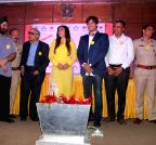 Mumbai: Raveena and Vivek launch Tobacco Free Mumbai Police Station