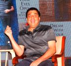 Mumbai: Ranbir Kapoor launches Ronnie Screwvala`s book Dream With Your Eyes Open