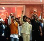 Mumbai: Vivek Oberoi, Akshay Kumar at `Zara Yaad Karo Kurbani`