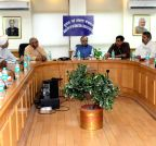 New Delhi: Farmer delegation calls on Arun Jaitley